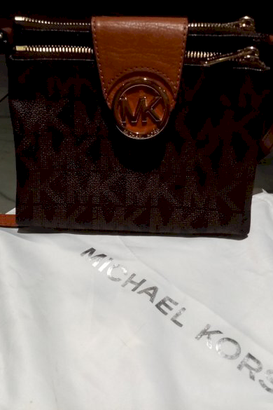 Snazzy Marketplace; Sac Michael Kors